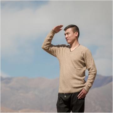 西藏措勤县地方特色 金紫绒 男士上衣 V领格子羊绒衫 本色 M