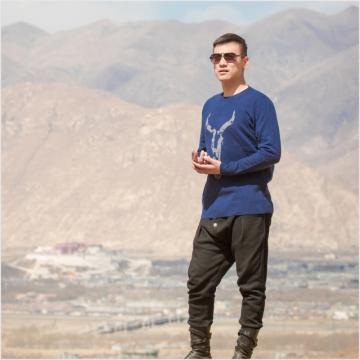 西藏措勤县地方特色金紫绒 男士上衣 圆领 深蓝色 牦牛图案羊绒衫 藏蓝夹灰 M