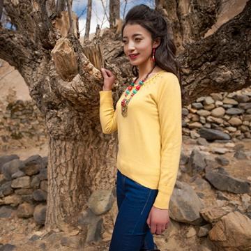 西藏措勤地方特色金紫绒 女款上衣 圆领羊绒衫 黄色 S