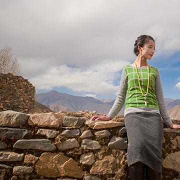西藏措勤县地方特色金紫绒 女款上衣 圆领羊绒衫 绿色 S