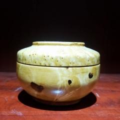 西藏天然原木制作糌波表纹细腻装木中碗